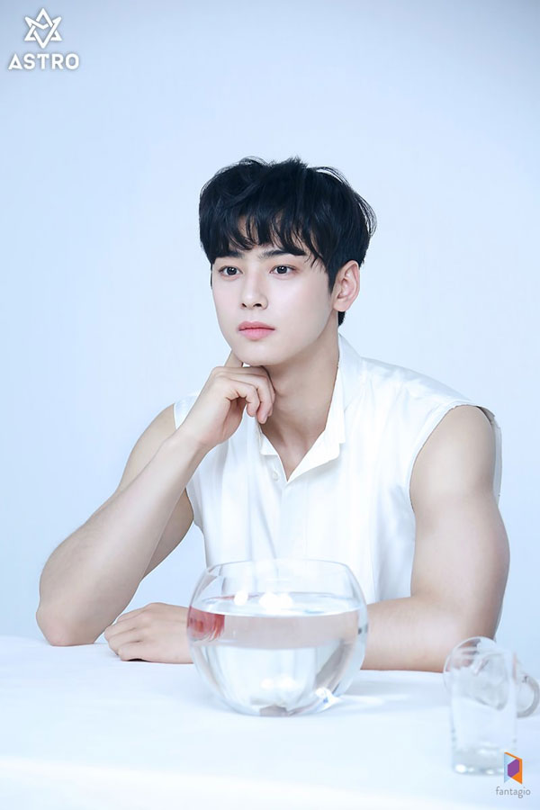 Astro S Cha Eunwoo Was Spotted Bulking Up His Body And He Is