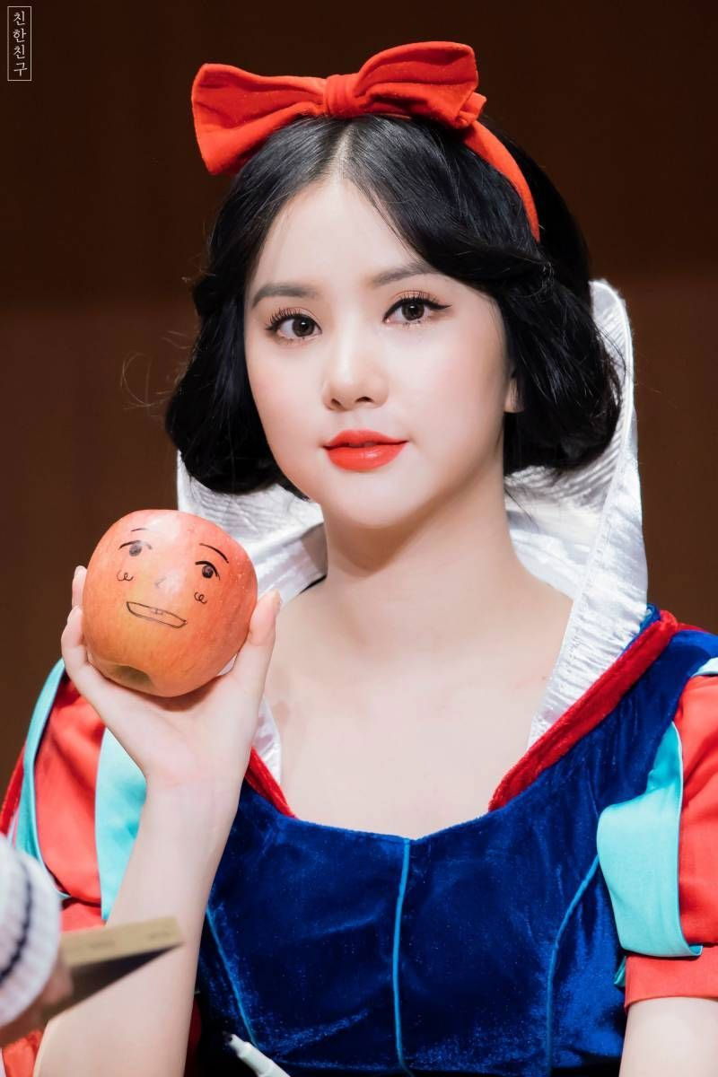 9 Korean Celebrities Who Once Wore Snow White Costume And Flutter