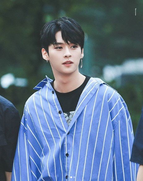 Former Bts Dancer Stray Kids Lee Know Thanks J Hope For Recognizing Him After Debut Profile | the members of this new comer boyband are bang chan, woojin, lee know, changbin, hyunjin, han, felix, seungmin, and i.n. former bts dancer stray kids lee know