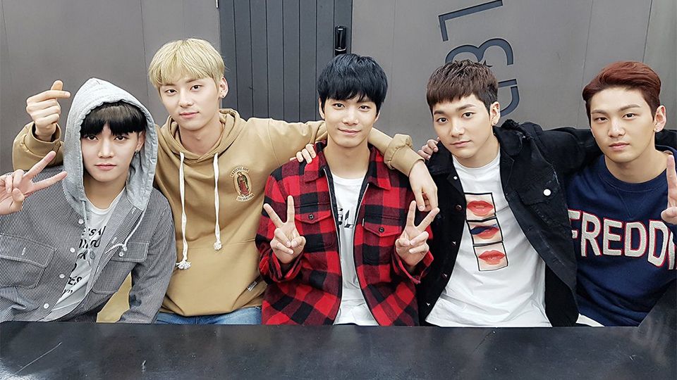 NU`EST`s [Hello] Made a Sudden Appearance at [Inkigayo] Music Chart