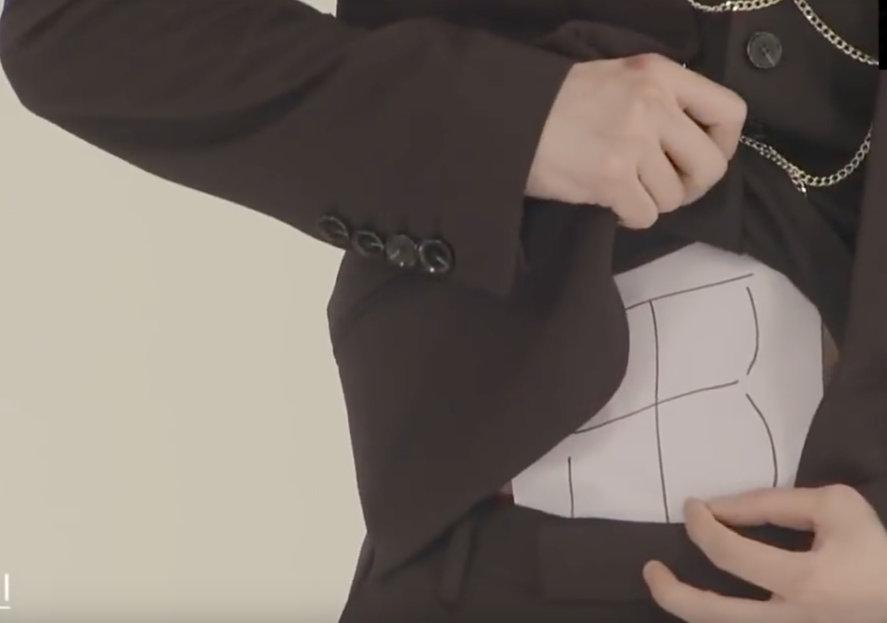 Very Confident With It Monsta X S Jooheon Revealed His Well Defined Abs