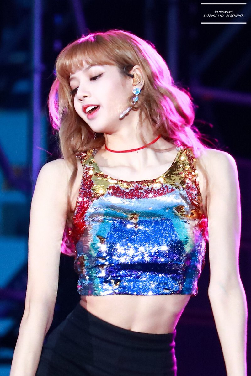 BLACKPINK`s Lisa Made Headlines for Her Tiny Waist, People Say She