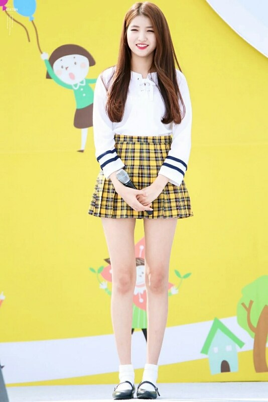 This Female Idol is Over 170 cm Tall with Legs Length That