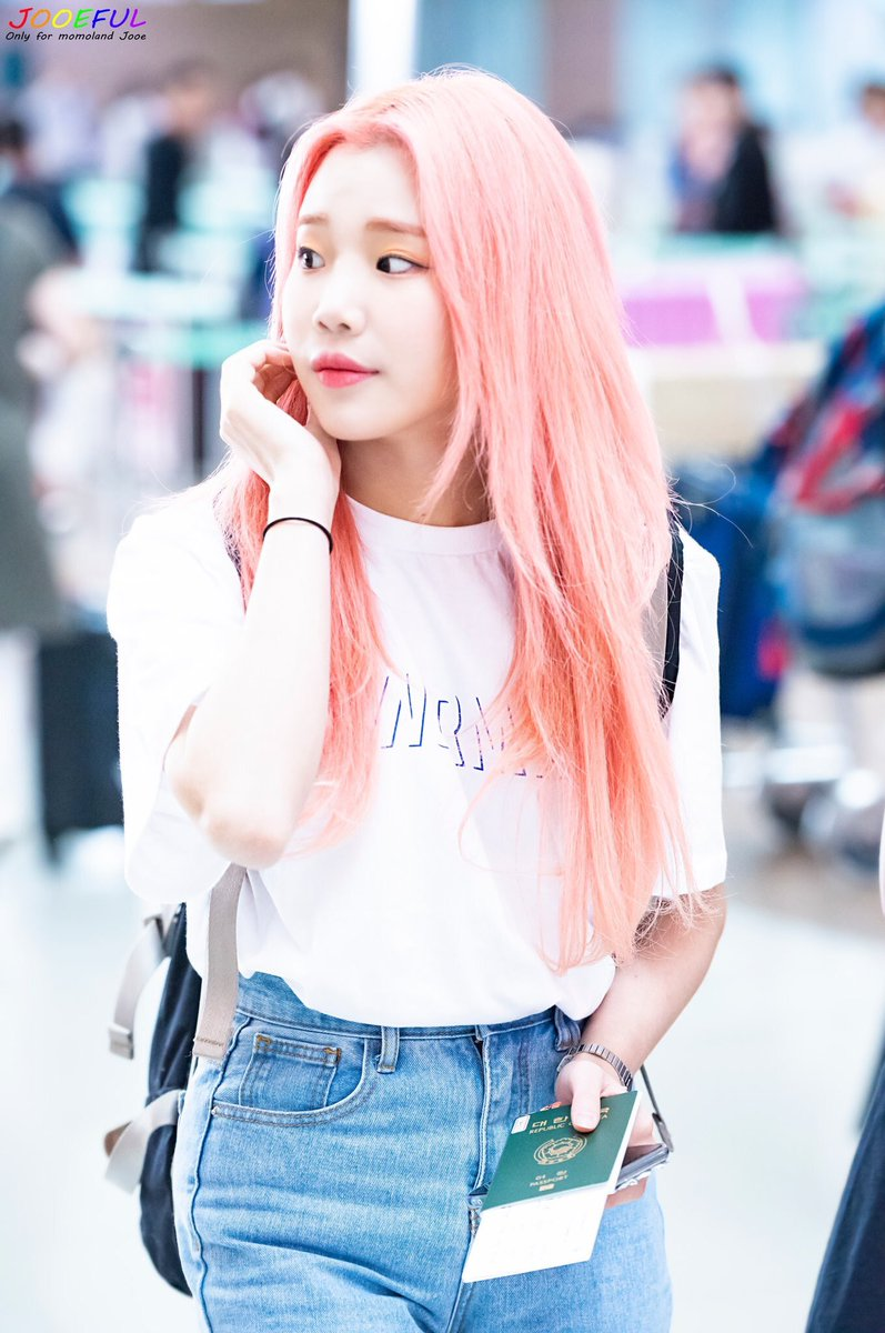 Momoland S Jooe Dyed Her Hair Black For The First Time
